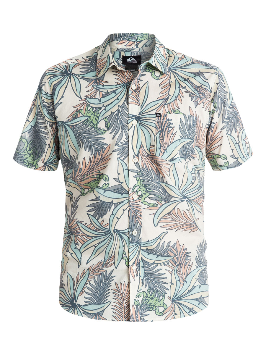 Рубашка мужская Quiksilver, цвет: бежевый, голубой, коралловый. EQYWT03350-GBQ6. Размер M (46/48)EQYWT03350-GBQ6Отличная мужская рубашка Quiksilver выполнена из натурального хлопка. Модель с отложным воротником и короткими рукавами застегивается на пуговицы спереди. На груди рубашка дополнена одним накладным карманом.