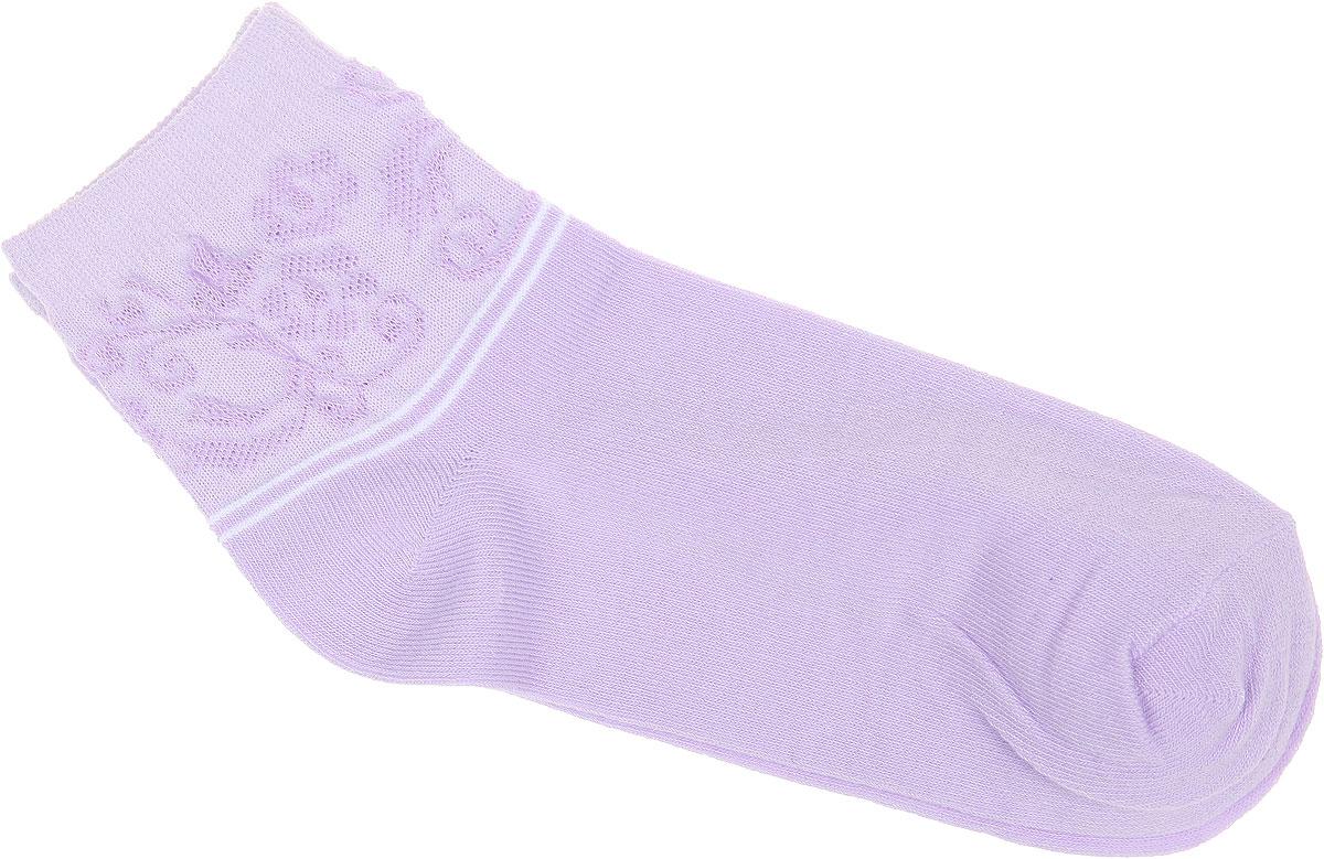 Носки женские Alla Buone, цвет: сиреневый. CD025. Размер 25 (38-40)CD025Удобные носки Alla Buone, изготовленные из высококачественного комбинированного материала, очень мягкие и приятные на ощупь, позволяют коже дышать. Эластичная резинка плотно облегает ногу, не сдавливая ее, обеспечивая комфорт и удобство. Носки с ажурным паголенком средней длины и контрастными полосками. Практичные и комфортные носки великолепно подойдут к любой вашей обуви.
