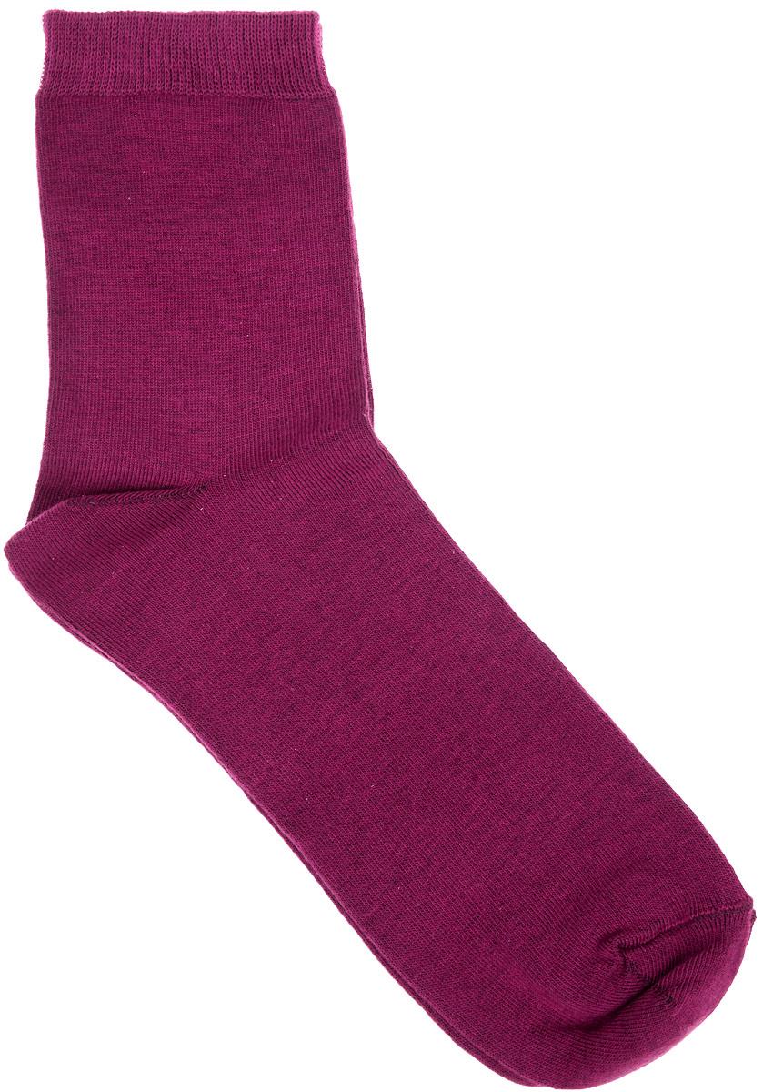 Носки женские Alla Buone, цвет: бордовый. CD002. Размер 23 (35-37)002CDУдобные носки Alla Buone, изготовленные из высококачественного комбинированного материала, очень мягкие и приятные на ощупь, позволяют коже дышать. Эластичная резинка плотно облегает ногу, не сдавливая ее, обеспечивая комфорт и удобство. Носки с паголенком классической длины. Практичные и комфортные носки великолепно подойдут к любой вашей обуви.