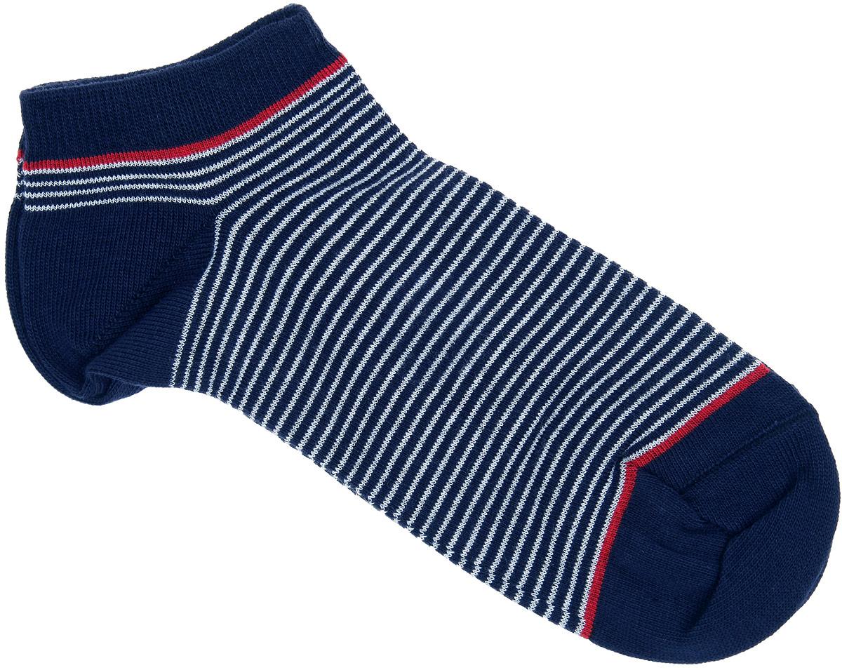 Носки женские Alla Buone, цвет: темно-синий. CD014. Размер 25 (38-40)CD014Удобные носки Alla Buone, изготовленные из высококачественного комбинированного материала, очень мягкие и приятные на ощупь, позволяют коже дышать. Эластичная резинка плотно облегает ногу, не сдавливая ее, обеспечивая комфорт и удобство. Модель с укороченным паголенком, оформлена принтом в полоску. Практичные и комфортные носки великолепно подойдут к любой вашей обуви.