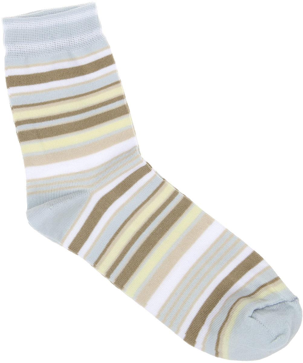 Носки женские Alla Buone, цвет: серый. CD006. Размер 25 (38-40)006CDУдобные носки Alla Buone, изготовленные из высококачественного комбинированного материала, очень мягкие и приятные на ощупь, позволяют коже дышать. Эластичная резинка плотно облегает ногу, не сдавливая ее, обеспечивая комфорт и удобство. Носки с паголенком классической длины оформлены рисунком в полоску. Практичные и комфортные носки великолепно подойдут к любой вашей обуви.