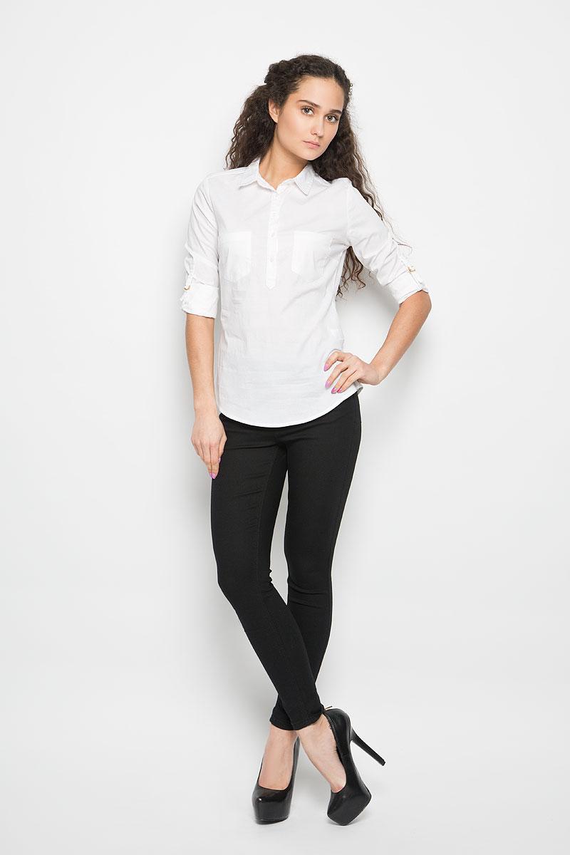 Рубашка женская Moodo, цвет: белый. L-KO-2013 WHITE. Размер S (44)L-KO-2013_WHITEСтильная женская рубашка Moodo, выполненная из хлопка с добавлением эластана, прекрасно подойдет для повседневной носки. Материал очень мягкий и приятный на ощупь, не сковывает движения и позволяет коже дышать.Рубашка приталенного кроя с отложным воротником и длинными рукавами застегивается на пуговицы в верхней части. На груди модели предусмотрены два накладных кармана. Рукава можно регулировать по длине за счет хлястиков с небольшими фиксаторами. Низ рукавов обработан манжетами, которые застегиваются на пуговицы.Такая рубашка будет дарить вам комфорт в течение всего дня и станет модным дополнением к вашему гардеробу.