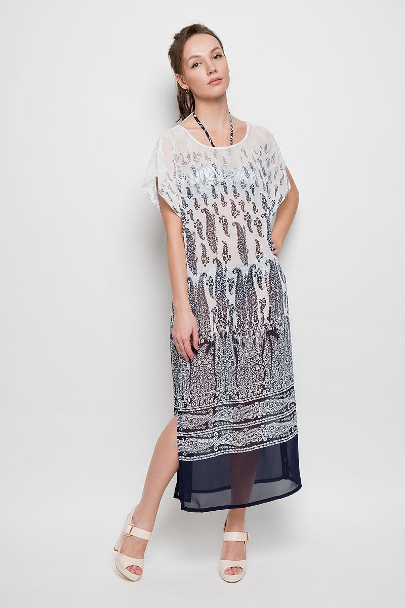 Платье Sela, цвет: темно-синий, белый. Ds-117/754-6215. Размер 46/48Ds-117/754-6215Очаровательное платье Sela станет ярким и стильным дополнением к вашему гардеробу. Изделие выполнено из полупрозрачного полиэстера, приятное к телу, не сковывает движения и хорошо вентилируется.Модель свободного кроя с круглым вырезом горловины и рукавами-кимоно, дополнено разрезами в боковых швах. Платье оформлено оригинальным принтом.Это стильное летнее платье поможет создать привлекательный женственный образ.