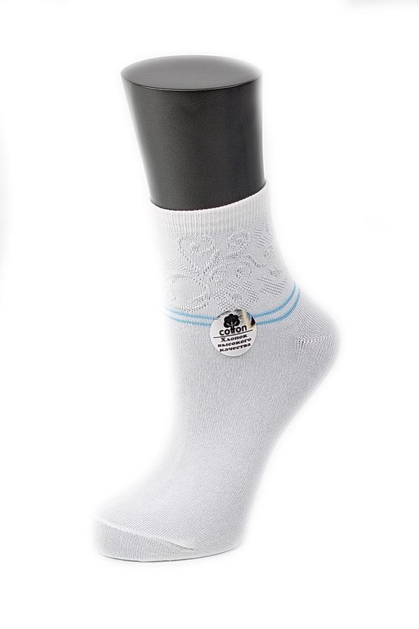Носки женские Alla Buone, цвет: белый. CD025. Размер 25 (38-40)CD025Удобные носки Alla Buone, изготовленные из высококачественного комбинированного материала, очень мягкие и приятные на ощупь, позволяют коже дышать. Эластичная резинка плотно облегает ногу, не сдавливая ее, обеспечивая комфорт и удобство. Носки с ажурным паголенком средней длины и контрастными полосками. Практичные и комфортные носки великолепно подойдут к любой вашей обуви.