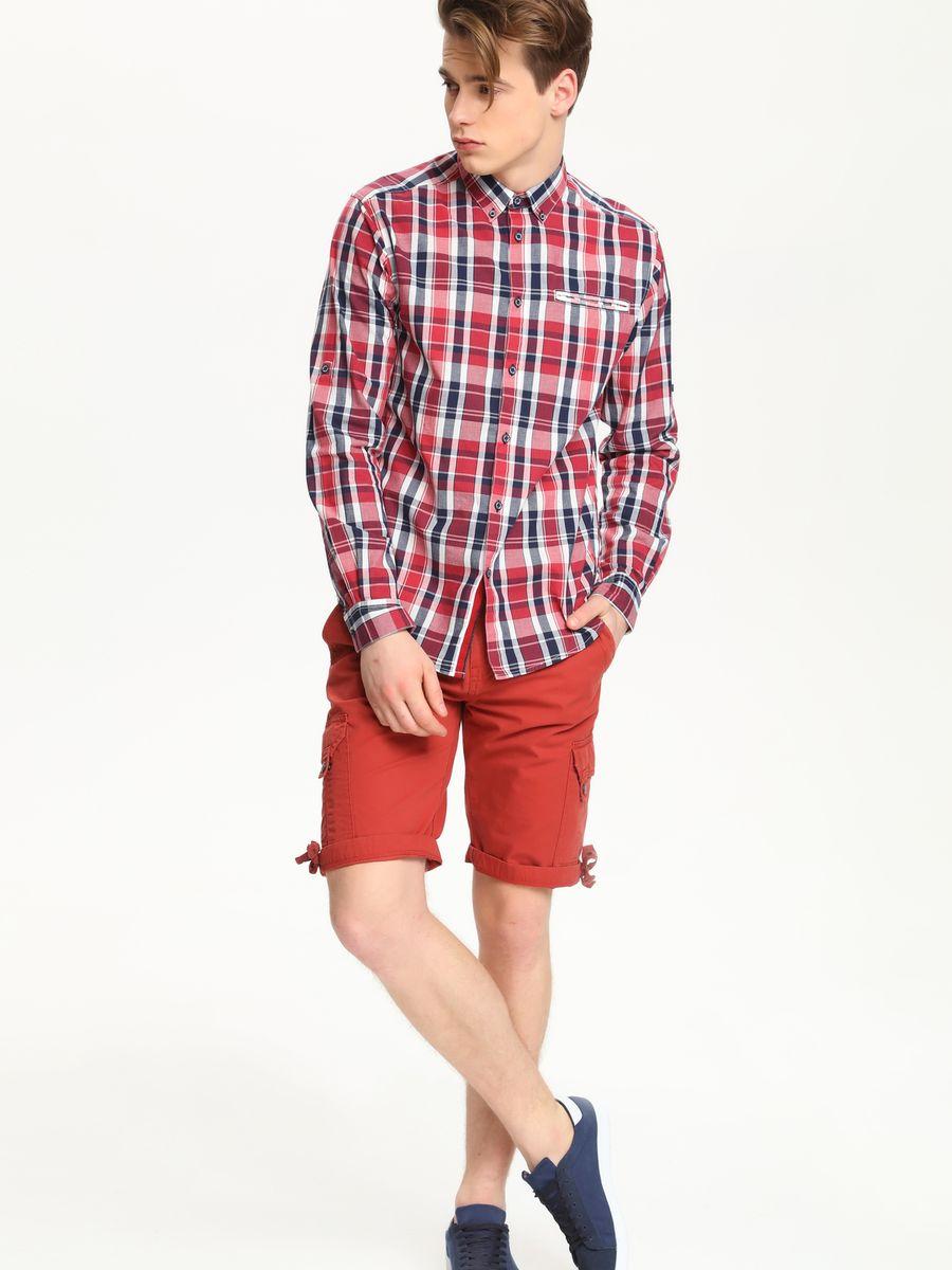 Рубашка мужская Top Secret, цвет: вишневый, белый, темно-синий. SKL1979CE. Размер 46 (54)SKL1979CEСтильная мужская рубашка Top Secret, выполненная из натурального хлопка, обладает высокой теплопроводностью, воздухопроницаемостью и гигроскопичностью, позволяет коже дышать, тем самым обеспечивая наибольший комфорт при носке.Модель классического кроя с отложным воротником застегивается на пуговицы. Края воротника спереди пристегиваются к рубашке на пуговицы. На груди имеется прорезной карман. Длинные рукава модели дополнены манжетами на пуговицах. Оформлено изделие принтом в клетку. Такая рубашка подчеркнет ваш вкус и поможет создать великолепный стильный образ.