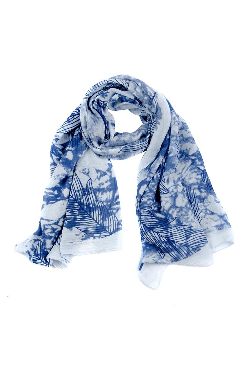 Палантин Moltini, цвет: синий, голубой. 4G-1604. Размер 180 см x 85 см4G-1604Элегантный палантин Moltini станет достойным завершением вашего образа.Палантин изготовлен из 100% вискозы. Модель оформлена оригинальным рисунком. Палантин красиво драпируется, он превосходно дополнит любой наряд и подчеркнет ваш изысканный вкус.Легкий и изящный палантин привнесет в ваш образ утонченность и шарм.