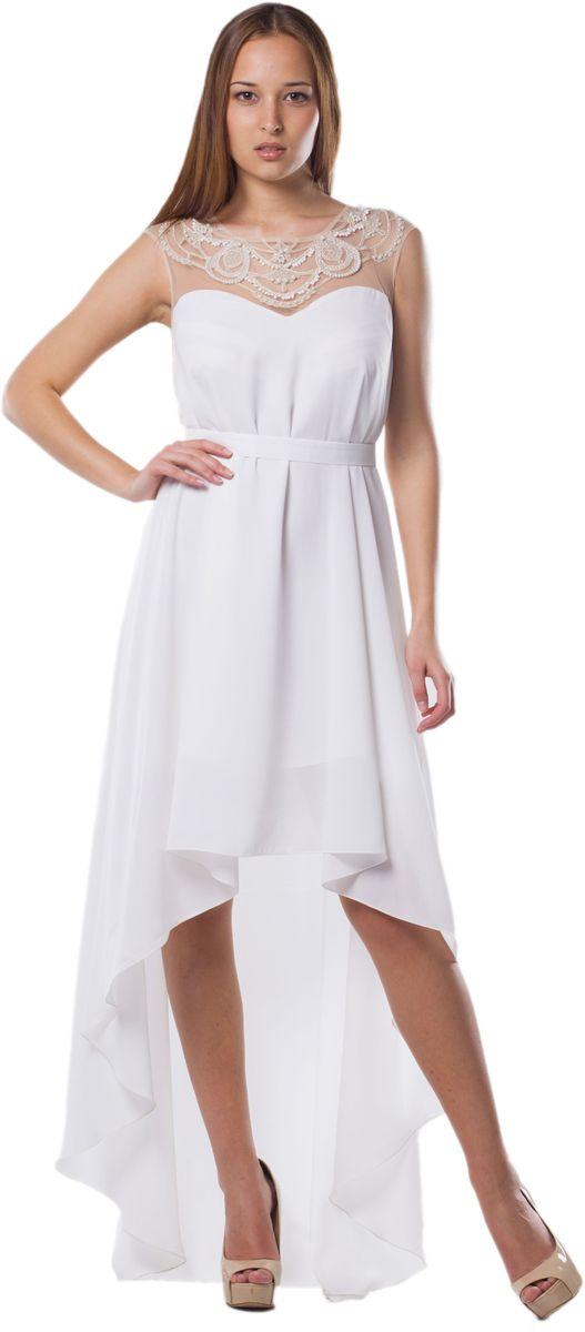 Платье Seam, цвет: белый. 4392_102. Размер S (44)4392_102Стильное платье Seam выполнено из полиэстера. Модель с круглым вырезом горловины по лифу оформлена оригинальным узором расшитым бисером. Спинка изделия сильно удлинена. По талии платье дополнено съемным текстильным поясом на пуговице.