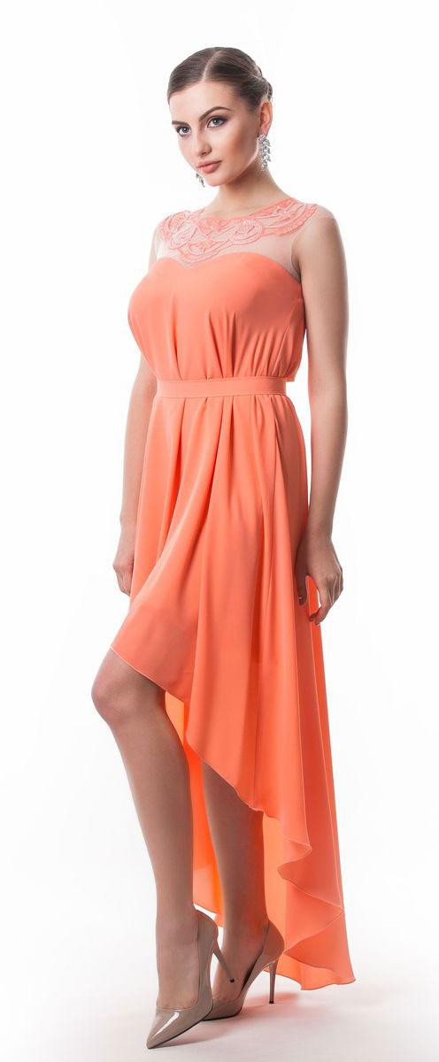 Платье Seam, цвет: лососевый. 4392_304. Размер M (46)4392_304Стильное платье Seam выполнено из полиэстера. Модель с круглым вырезом горловины по лифу оформлена оригинальным узором расшитым бисером. Спинка изделия сильно удлинена. По талии платье дополнено съемным текстильным поясом на пуговице.