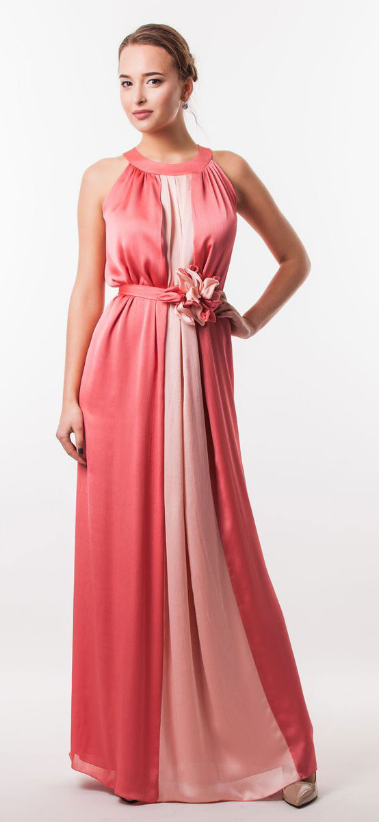 Платье Seam, цвет: коралловый, розовый. 4620_303. Размер M (46)4620_303Очаровательное вечернее платье Seam, выполненное из высококачественного полиэстера, оно отлично сидит по фигуре и подчеркнет ваши достоинства. Платье-макси без рукавов сзади на шее застегивается на две пуговицы. Модель свободного кроя от начала горловины оформлена элегантными складочками. Платье дополнено контрастным пояском, который закрепляется с помощью заколки-брошки в виде цветка.