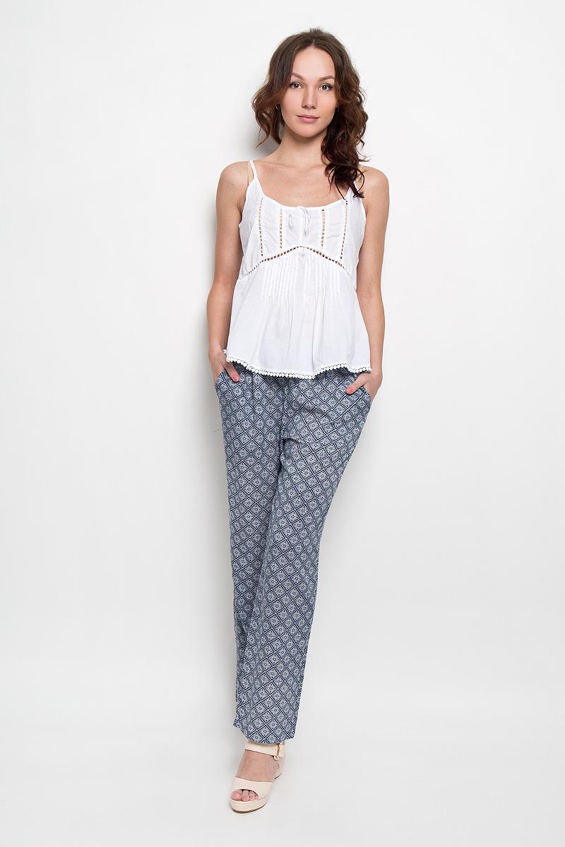 Брюки женские Broadway, цвет: синий. 10156269 598. Размер S (44)10156269 598Стильные женские брюки Broadway, выполненные из материала высочайшего качества, позволят вам создать неповторимый, запоминающийся образ. Свободная модель на широкой резинке спереди дополнена двумя втачными карманами.Прямые брюки оформлены оригинальным принтом.Эти модные брюки послужат отличным дополнением к вашему гардеробу. В них вы всегда будете чувствовать себя уверенно и удобно.