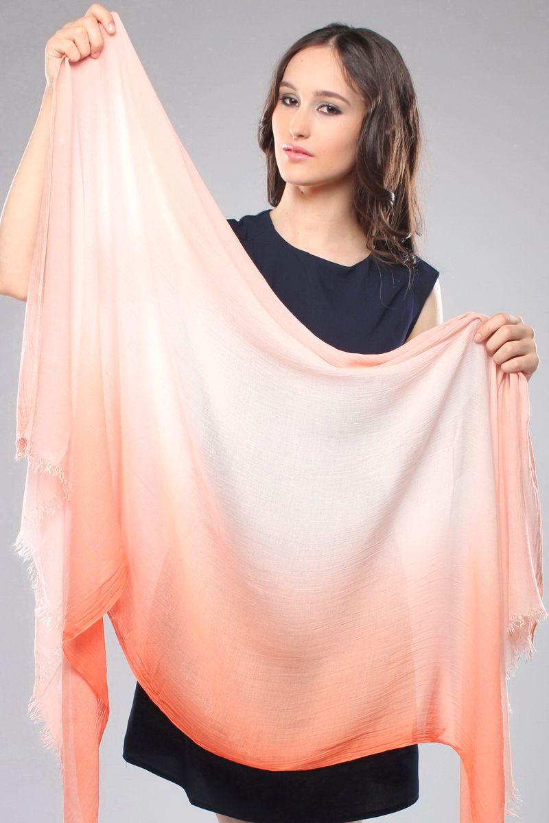 Палантин Fiona Fantozzi, цвет: оранжевый. CS-9721-2. Размер 90 см х 180 смCS-9721-2Стильный женский палантин Fiona Fantozzi станет великолепным завершением любого наряда.Палантин изготовлен из модала с добавлением шелка и украшен по краю неширокой бахромой.Легкий и изящный палантин поможет вам создать изысканный женственный образ, а также согреет в непогоду.
