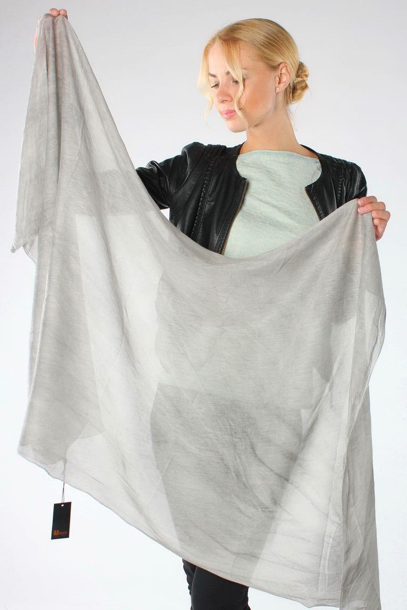 Шарф женский Laura Milano, цвет: серый. 12-01_серый. Размер 50 см х 160 см12-01_серыйСтильный женский шарф Laura Milano, изготовленный из натурального шелка, станет великолепным завершением любого наряда.Изящный шарф поможет вам создать изысканный женственный образ, а также согреет в непогоду.