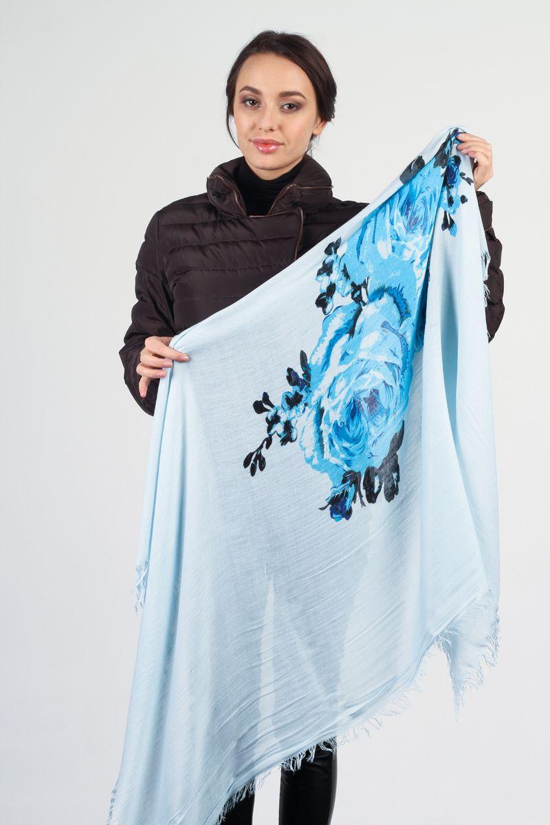 Платок женский Laura Milano, цвет: голубой. JLB10278YS4-3. Размер 120 см х 120 смJLB10278YS4-3Стильный женский платок Laura Milano станет великолепным завершением любого наряда. Платок изготовлен из высококачественного материала и оформлен крупным цветочным принтом.Мягкий и шелковистый платок поможет вам создать изысканный женственный образ, а также согреет в непогоду. Такой платок превосходно дополнит любой наряд и подчеркнет ваш неповторимый вкус и элегантность.