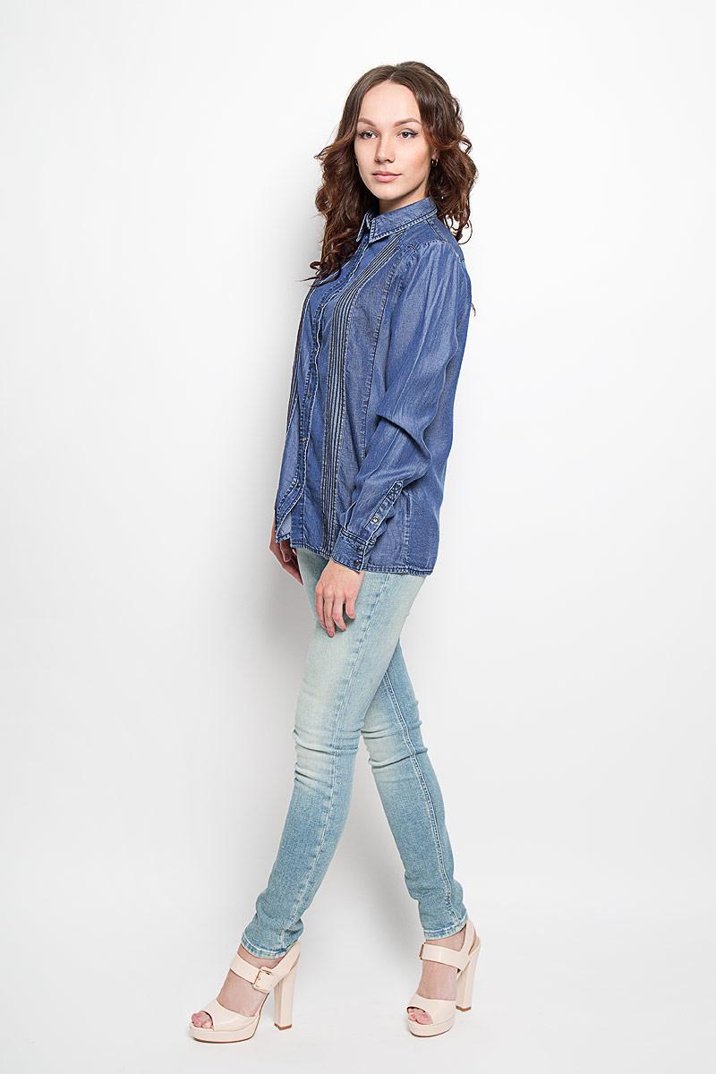 Рубашка женская Diesel, цвет: синий. 00SNP8-0KAKP_01. Размер S (42)00SNP8-0KAKP_01Симпатичная женская рубашка Diesel, выполненная из 100% лиоцелла, обладает высокой теплопроводностью, воздухопроницаемостью и гигроскопичностью, позволяет коже дышать. Модель с длинными рукавами и отложным воротником - идеальный вариант для создания образа в стиле Casual. Рубашка спереди застегивается на кнопки. Манжеты рукавов также застегиваются на кнопку. Спереди модель дополнена оригинальными вставками и прострочкой.Такая модель будет дарить вам комфорт в течение всего дня и послужит замечательным дополнением к вашему гардеробу.