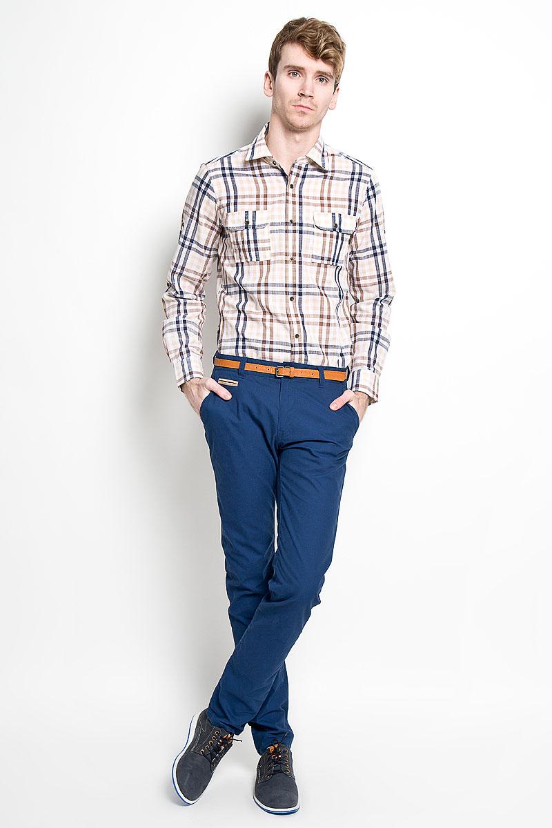 Рубашка мужская KarFlorens, цвет: бежевый, коричневый. SW 77-02. Размер 39/40 (48/176)SW 77-02Мужская рубашка KarFlorens, изготовленная из высококачественного хлопка и льна, необычайно мягкая и приятная на ощупь, она не сковывает движения и позволяет коже дышать, обеспечивая комфорт.Модель приталенного силуэта, с классическим отложным воротником, длинными рукавами и полукруглым низом, застегивается на металлические пуговицы. Манжеты закругленной формы, с застежкой на пуговицы. Ширину манжет можно варьировать, благодаря дополнительной пуговице. Пуговицы декорированы логотипом KarFlorens, на правой манжете - вышивка-логотип. Модель оформлена стильным принтом в клетку. На груди расположено два накладных кармана с клапаном на пуговице. Эта рубашка - идеальный вариант для повседневного гардероба. Такая модель порадует настоящих ценителей комфорта и практичности!