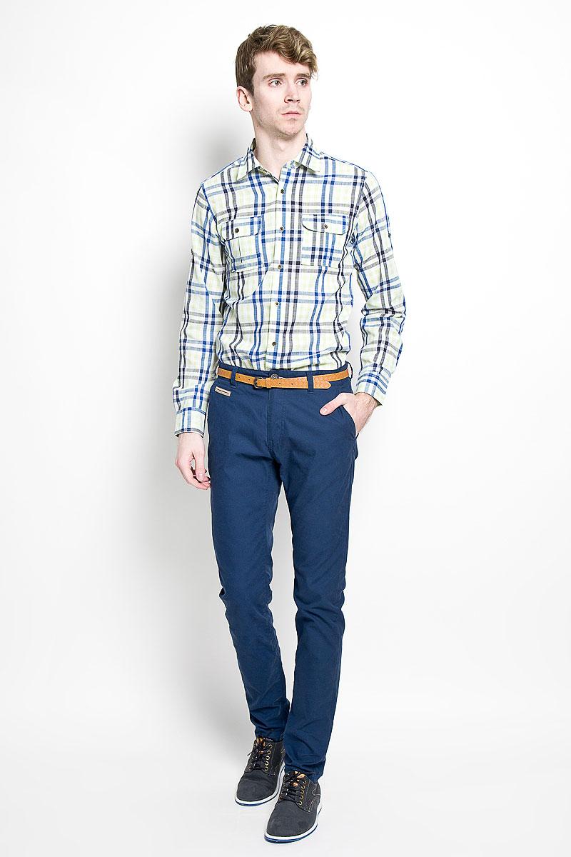 Рубашка мужская KarFlorens, цвет: желтый, синий. SW 77-01. Размер 41/42 (50-52/182)SW 77-01Мужская рубашка KarFlorens, изготовленная из высококачественного хлопка и льна, необычайно мягкая и приятная на ощупь, она не сковывает движения и позволяет коже дышать, обеспечивая комфорт.Модель приталенного силуэта, с классическим отложным воротником, длинными рукавами и полукруглым низом, застегивается на металлические пуговицы. Манжеты закругленной формы, с застежкой на пуговицы. Ширину манжет можно варьировать, благодаря дополнительной пуговице. Пуговицы декорированы логотипом KarFlorens, на правой манжете - вышивка-логотип. Модель оформлена стильным принтом в клетку. На груди расположено два накладных кармана с клапаном на пуговице. Эта рубашка - идеальный вариант для повседневного гардероба. Такая модель порадует настоящих ценителей комфорта и практичности!