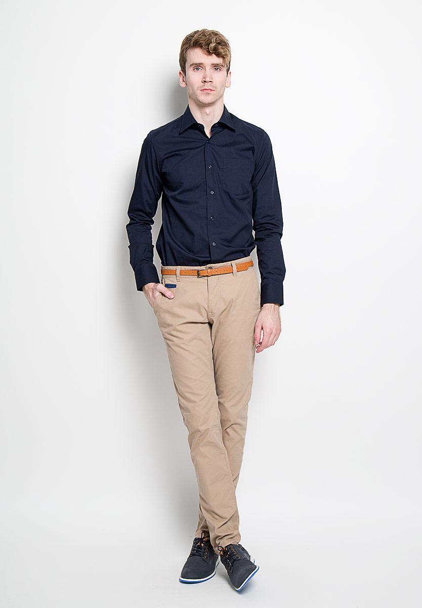 Рубашка мужская KarFlorens, цвет: темно-синий. SW 48-02. Размер 39/40 (48-176)SW 48-02Мужская рубашка KarFlorens, изготовленная из высококачественного хлопка с добавлением микрофибры, необычайно мягкая и приятная на ощупь, она не сковывает движения и позволяет коже дышать, обеспечивая комфорт.Модель с классическим отложным воротником, длинными рукавами и полукруглым низом, застегивается на пластиковые пуговицы. Манжеты со срезанными уголками и застежкой на пуговицы. Ширину манжет можно варьировать благодаря дополнительной пуговице. Пуговицы декорированы логотипом KarFlorens. На груди расположен накладной карман. Эта рубашка - идеальный вариант для повседневного гардероба. Такая модель порадует настоящих ценителей комфорта и практичности!