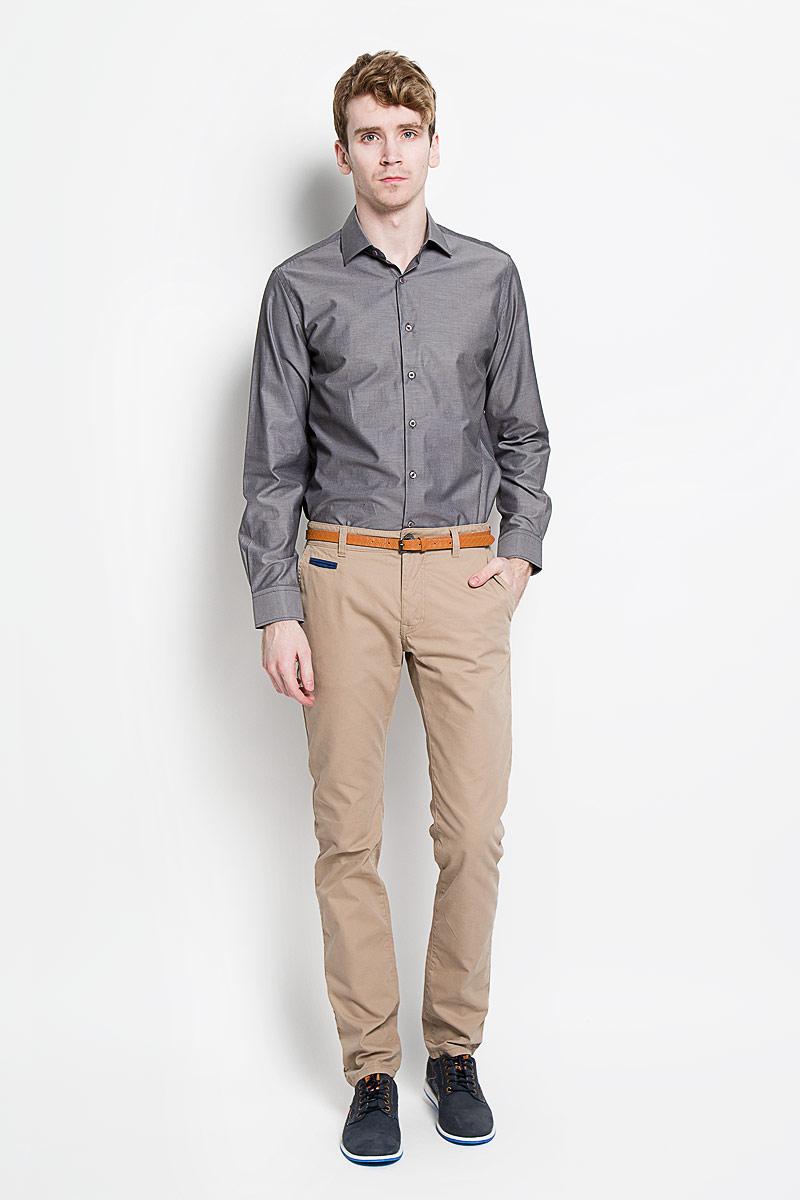 Рубашка мужская KarFlorens, цвет: темно-серый. SW 56-04. Размер 41/42 (50-52/176)SW 56-04Мужская классическая рубашка KarFlorens, изготовленная из высококачественного хлопка с добавлением микрофибры, необычайно мягкая и приятная на ощупь, она не сковывает движения и позволяет коже дышать, обеспечивая комфорт.Модель с классическим отложным воротником, длинными рукавами и полукруглым низом, застегивается на пластиковые пуговицы. Манжеты со срезанными уголками и застежкой на пуговицы. Ширину манжет можно варьировать, благодаря дополнительной пуговице. Пуговицы декорированы логотипом KarFlorens. Модель оформлена принтом в микрополоску. Эта рубашка - идеальный вариант для повседневного гардероба. Такая модель порадует настоящих ценителей комфорта и практичности!
