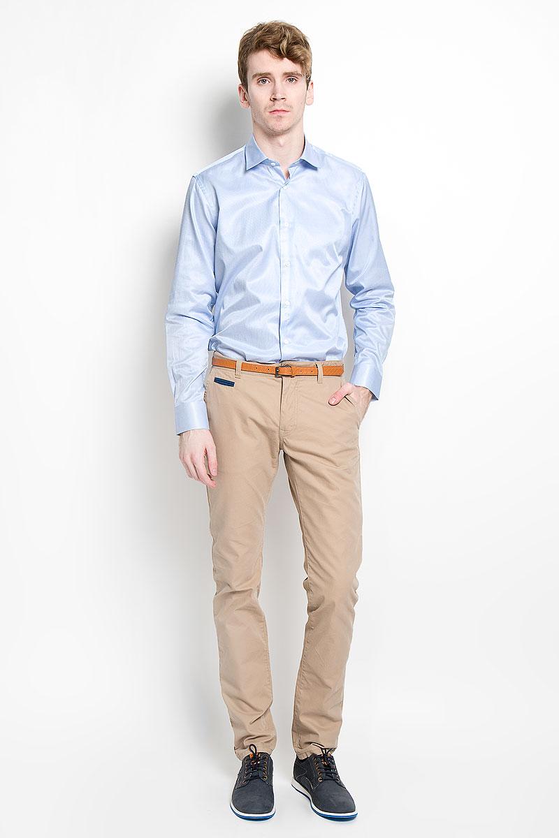 Рубашка мужская KarFlorens, цвет: голубой. SW 57_03. Размер 43/44 (54/182)SW 57_03Мужская рубашка KarFlorens, изготовленная из высококачественного хлопка с добавлением микрофибры, необычайно мягкая и приятная на ощупь, она не сковывает движения и позволяет коже дышать, обеспечивая комфорт.Классическая модель с длинными рукавами и отложным воротником застегивается на пластиковые пуговицы, которые декорированы названием бренда. Манжеты со срезанными уголками также застегиваются на пуговицы. Такая рубашка станет идеальным вариантом для повседневного гардероба. Она порадует настоящих ценителей комфорта и практичности!