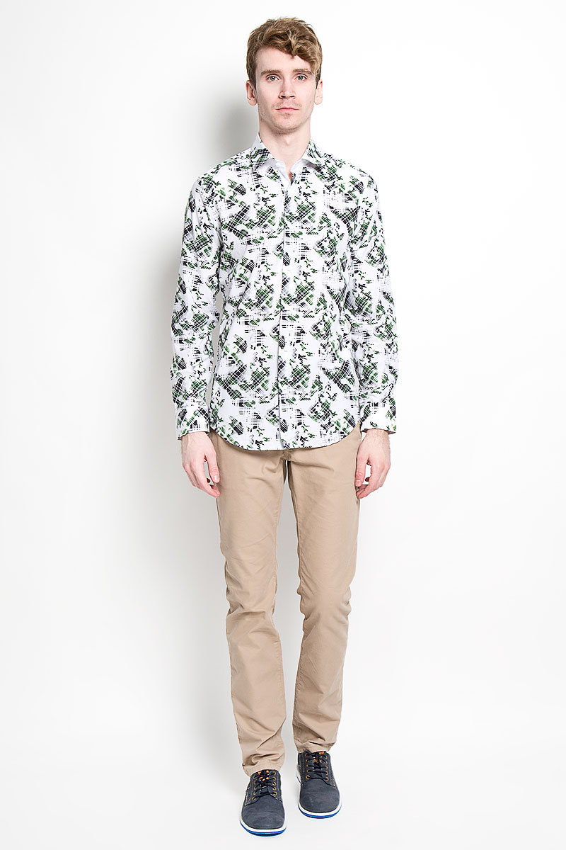 Рубашка мужская KarFlorens, цвет: белый, зеленый, черный. SW 85_07. Размер 41/42 (50-52/176)SW 85_07Стильная мужская рубашка KarFlorens, изготовленная из высококачественного хлопка и бамбука, необычайно мягкая и приятная на ощупь, не сковывает движения и обеспечивает наибольший комфорт.Модная рубашка приталенного кроя с отложным воротником, длинными рукавами и полукруглым низом застегивается на пластиковые пуговицы квадратной формы. Пуговицы оформлены тиснением с названием бренда. Манжеты со срезанными уголками и регулировкой ширины также застегиваются на пуговицы. Эта рубашка станет идеальным вариантом для повседневного гардероба. Она порадует настоящих ценителей комфорта и практичности!