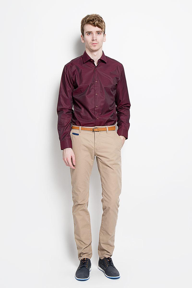 Рубашка мужская KarFlorens, цвет: бордовый. SW 56-05. Размер 41/42 (50-52/176)SW 56-05Мужская классическая рубашка KarFlorens, изготовленная из высококачественного хлопка с добавлением микрофибры, необычайно мягкая и приятная на ощупь, она не сковывает движения и позволяет коже дышать, обеспечивая комфорт.Модель с классическим отложным воротником, длинными рукавами и полукруглым низом, застегивается на пластиковые пуговицы. Манжеты со срезанными уголками и застежкой на пуговицы. Ширину манжет можно варьировать, благодаря дополнительной пуговице. Пуговицы декорированы логотипом KarFlorens. Модель оформлена принтом в микрополоску. Эта рубашка - идеальный вариант для повседневного гардероба. Такая модель порадует настоящих ценителей комфорта и практичности!