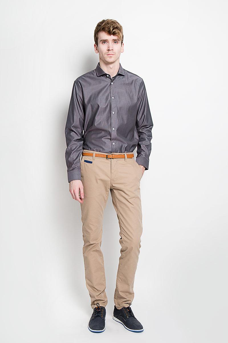 Рубашка мужская KarFlorens, цвет: серо-коричневый. SW 54-03. Размер 39/40 (48/182)SW 54-03Стильная мужская рубашка KarFlorens, изготовленная из высококачественного хлопка с добавлением микрофибры, необычайно мягкая и приятная на ощупь, не сковывает движения и позволяет коже дышать, обеспечивая наибольший комфорт.Модная рубашка классического кроя с отложным воротником, длинными рукавами и полукруглым низом застегивается на пластиковые пуговицы. Пуговицы украшены логотипом KarFlorens. С внутренней стороны манжеты и воротник выполнены контрастным материалом. Воротник сзади декорирован фирменной вышивкой. Рукава дополнены манжетами со срезанными уголками на пуговицах, которые благодаря дополнительной пуговице варьируются по ширине. Рубашка оформлена микрополоской и идеально подойдет для повседневного гардероба.Такая модель порадует настоящих ценителей комфорта и практичности!
