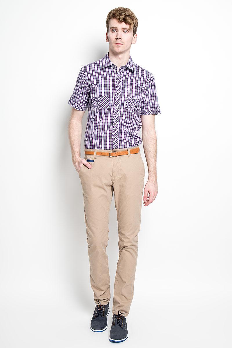Рубашка мужская KarFlorens, цвет: фиолетовый, белый. SW 86-04. Размер 43/44 (54/182)SW 86-04Мужская рубашка KarFlorens, изготовленная из высококачественного хлопка, необычайно мягкая и приятная на ощупь, она не сковывает движения и позволяет коже дышать, обеспечивая комфорт.Модель приталенного кроя, с отложным воротником, короткими рукавами и полукруглым низом застегивается на металлические пуговицы. Пуговицы декорированы логотипом KarFlorens, а также на спинке расположена фирменная вышивка. Модель оформлена стильным принтом в клетку. Рукава изделия дополнены патами на пуговицах. На груди предусмотрены нашивные карманы с клапанами.Эта рубашка - идеальный вариант для повседневного гардероба. Такая модель порадует настоящих ценителей комфорта и практичности!