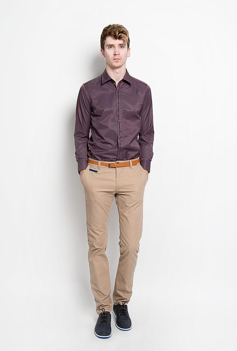 Рубашка мужская KarFlorens, цвет: шоколадный. SW 68-03. Размер 41/42 (50-52/176)SW 68-03Стильная мужская рубашка KarFlorens, изготовленная из высококачественного хлопка с добавлением микрофибры, необычайно мягкая и приятная на ощупь, не сковывает движения и позволяет коже дышать, обеспечивая наибольший комфорт.Модная рубашка приталенного кроя с отложным воротником, длинными рукавами и полукруглым низом застегивается на пластиковые пуговицы. Пуговицы декорированы логотипом бренда. Фигурные вытачки приталивают модель. Рукава дополнены манжетами с застежкой на две пуговицы. Вытачки, манжеты рукавов и плечи декорированы контрастным кантом. Эта рубашка станет идеальным вариантом для мужского гардероба.Такая модель порадует настоящих ценителей комфорта и практичности!
