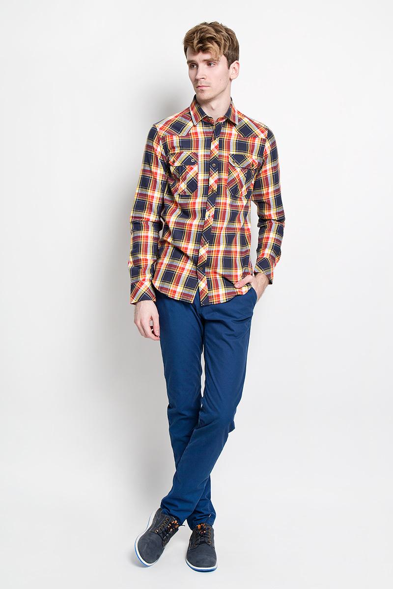 Рубашка мужская KarFlorens, цвет: бордовый, синий, желтый. SW 65_03. Размер 39/40 (48/176)SW 65_03Мужская рубашка KarFlorens, изготовленная из высококачественного хлопка с добавлением микрофибры, необычайно мягкая и приятная на ощупь, она не сковывает движения и позволяет коже дышать, обеспечивая комфорт.Модель приталенного кроя с длинными рукавами и отложным воротником застегивается на металлические пуговицы, которые декорированы названием бренда. Манжеты со срезанными уголками могут регулироваться по ширине. На груди предусмотрены два накладных кармана с клапанами, которые также застегиваются на пуговицы. Низ изделия имеет округлую форму.Такая рубашка станет идеальным вариантом для повседневного гардероба. Она порадует настоящих ценителей комфорта и практичности!