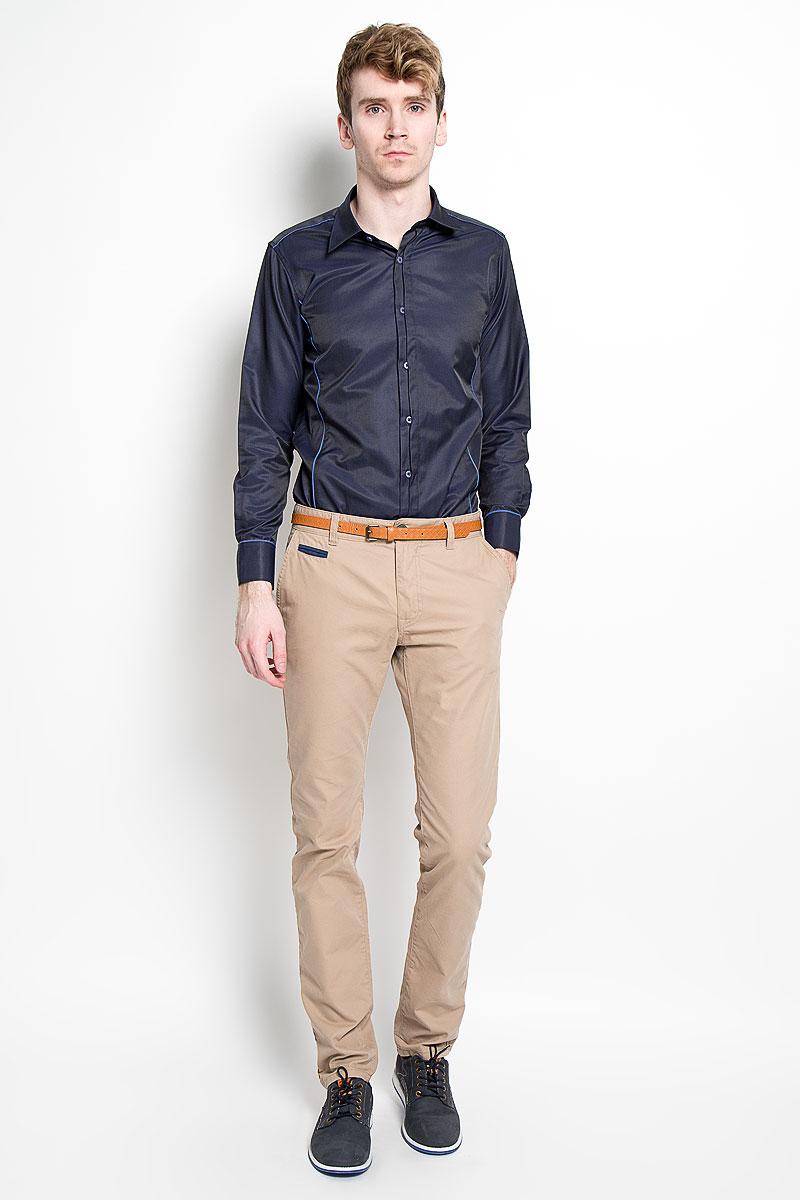 Рубашка мужская KarFlorens, цвет: темно-синий. SW 68-02. Размер 43/44 (54/176)SW 68-02Стильная мужская рубашка KarFlorens, изготовленная из высококачественного хлопка с добавлением микрофибры, необычайно мягкая и приятная на ощупь, не сковывает движения и позволяет коже дышать, обеспечивая наибольший комфорт.Модная рубашка приталенного кроя с отложным воротником, длинными рукавами и полукруглым низом застегивается на пластиковые пуговицы. Пуговицы декорированы логотипом бренда. Фигурные вытачки приталивают модель. Рукава дополнены манжетами с застежкой на две пуговицы. Вытачки, манжеты рукавов и плечи декорированы контрастным кантом. Эта рубашка станет идеальным вариантом для мужского гардероба.Такая модель порадует настоящих ценителей комфорта и практичности!