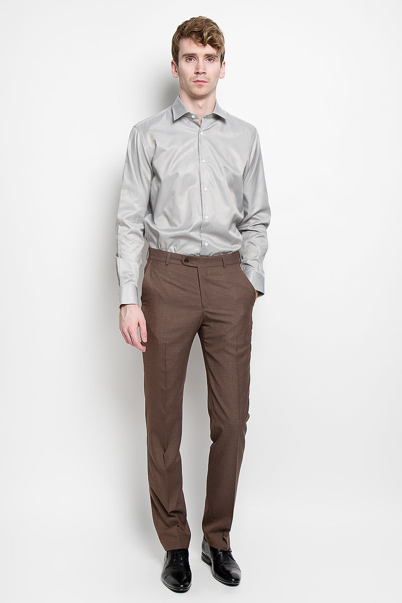 Рубашка мужская KarFlorens, цвет: серый. SW 57_05. Размер 39/40 (48/182)SW 57_05Мужская рубашка KarFlorens, изготовленная из высококачественного хлопка с добавлением микрофибры, необычайно мягкая и приятная на ощупь, она не сковывает движения и позволяет коже дышать, обеспечивая комфорт.Классическая модель с длинными рукавами и отложным воротником застегивается на пластиковые пуговицы, которые декорированы названием бренда. Манжеты со срезанными уголками также застегиваются на пуговицы. Такая рубашка станет идеальным вариантом для повседневного гардероба. Она порадует настоящих ценителей комфорта и практичности!