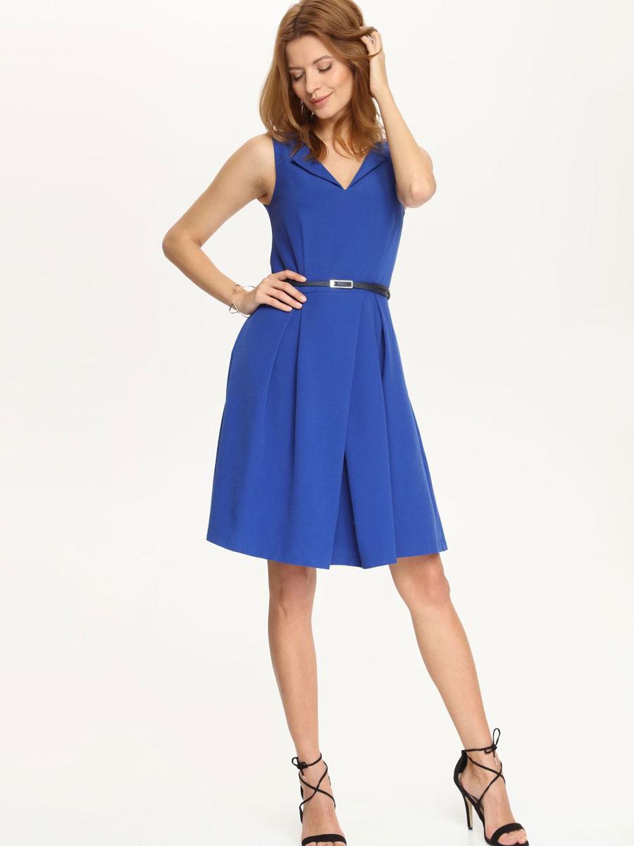 Платье Top Secret, цвет: синий. SSU1528NI. Размер 34 (40)SSU1528NIПлатье Top Secret поможет создать стильный образ. Платье, изготовленное из полиэстера с добавлением вискозы и эластана, очень мягкое, тактильно приятное, хорошо вентилируется. Подкладка платья выполнена из полиэстера.Модель с фигурным вырезом горловины застегивается сзади на скрытую молнию. От линии талии заложены крупные складки, придающие изделию пышность. По бокам расположены два прорезных кармана. На поясе платье дополнено ремешком с металлической пряжкой на тонких шлевках.Такое платье займет достойное место в вашем гардеробе, а также подарит вам комфорт в течение всего дня.