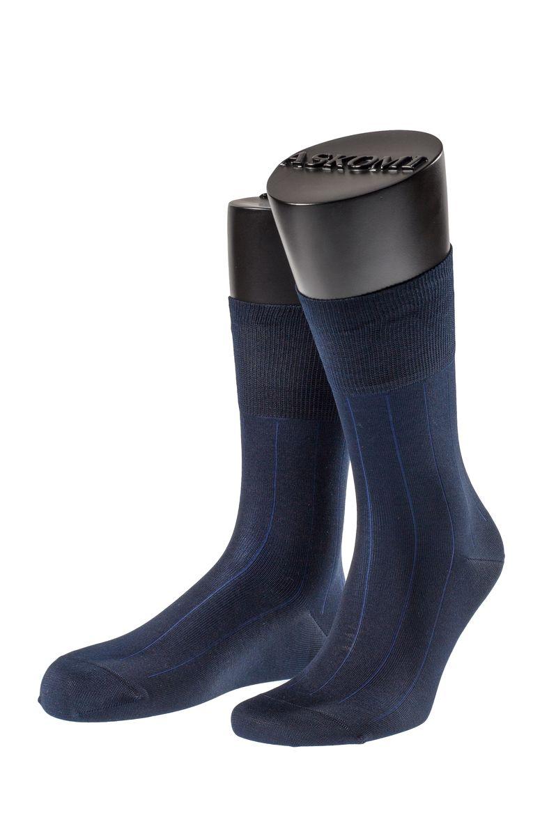 Носки мужские Askomi Classic, цвет: темно-синий. АМ-7119_2404. Размер 25 (39-40)АМ-7119_2404Мужские носки Askomi для повседневной носки выполнены из мерсеризованного хлопка с добавлением полиамида. Такой хлопок придает блеск, эластичность и ощущение шелковистости.Носок и пятка укреплены, что значительно увеличивает износостойкость носков. Двойной борт для плотной фиксации не пережимает сосуды. Кеттельный шов не ощутим для ноги.
