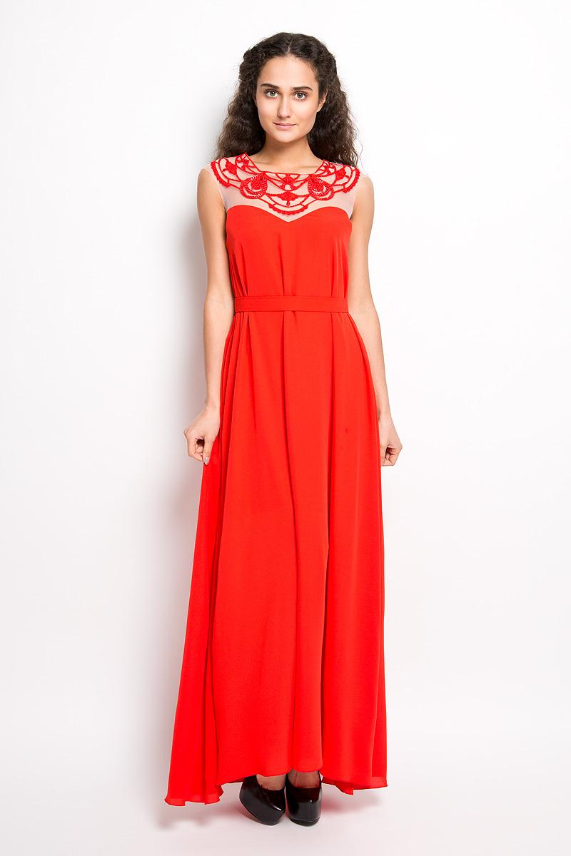 Платье Seam, цвет: красный. 4390_404. Размер S (44)4390_404Стильное платье Seam, выполненное из струящегося легкого материала, подчеркнет ваш уникальный стиль и поможет создать оригинальный женственный образ. Платье-макси с круглым вырезом горловины без рукавов придется вам по душе. Верхняя часть модели оформлена вставкой из сетчатого материала телесного цвета и оригинальной вышивкой дополненной бисером. Плате дополнено небольшим поясом. Такое платье станет стильным дополнением к вашему гардеробу.