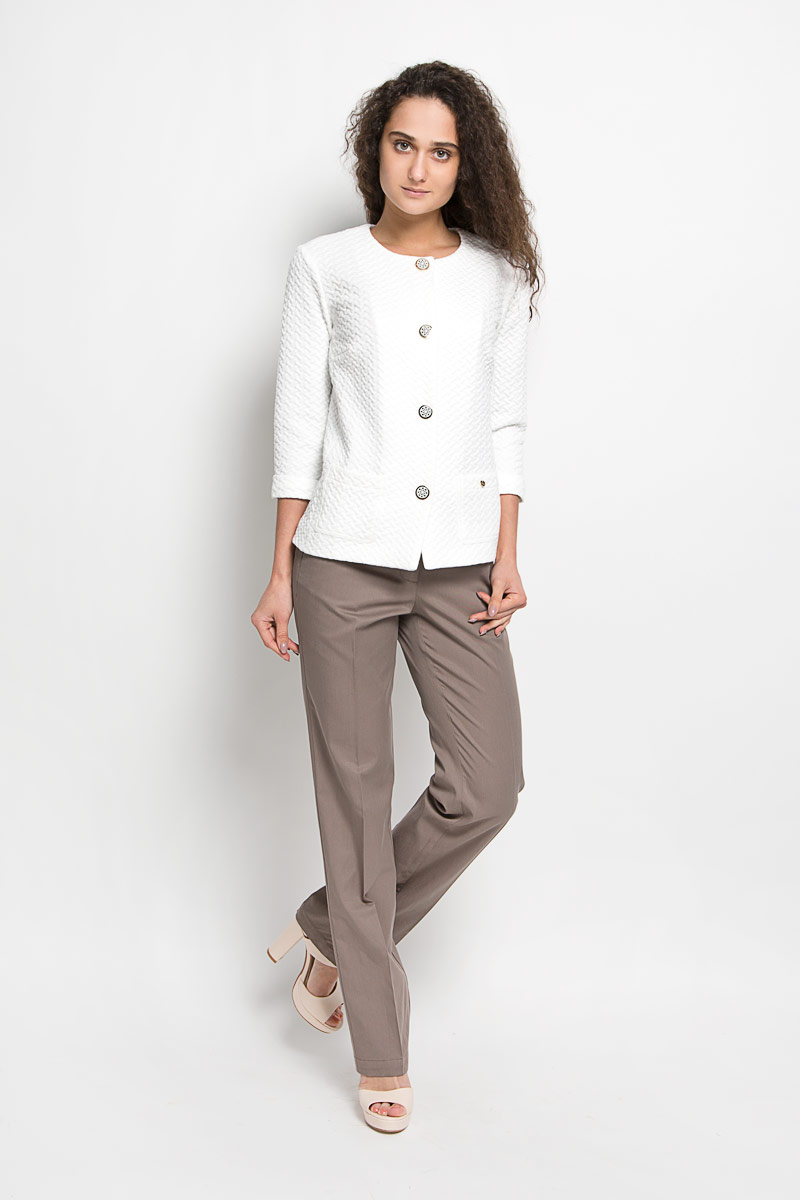 Брюки женские Finn Flare, цвет: коричневый. S16-11010. Размер L (48)S16-11010Стильные женские брюки Finn Flare - это изделие высочайшего качества, которое превосходно сидит и подчеркнет все достоинства вашей фигуры. Они выполнены из высококачественного хлопка с добавлением вискозы, что обеспечивает комфорт и удобство при носке. Модные брюки прямого кроя и стандартной посадки станут отличным дополнением к вашему современному образу. Брюки застегиваются на пуговицу в поясе и ширинку на застежке-молнии, имеются шлевки для ремня. Брюки имеют два втачных кармана спереди и оформлены имитацией карманов сзади.Эти модные и в тоже время комфортные брюки послужат отличным дополнением к вашему гардеробу.