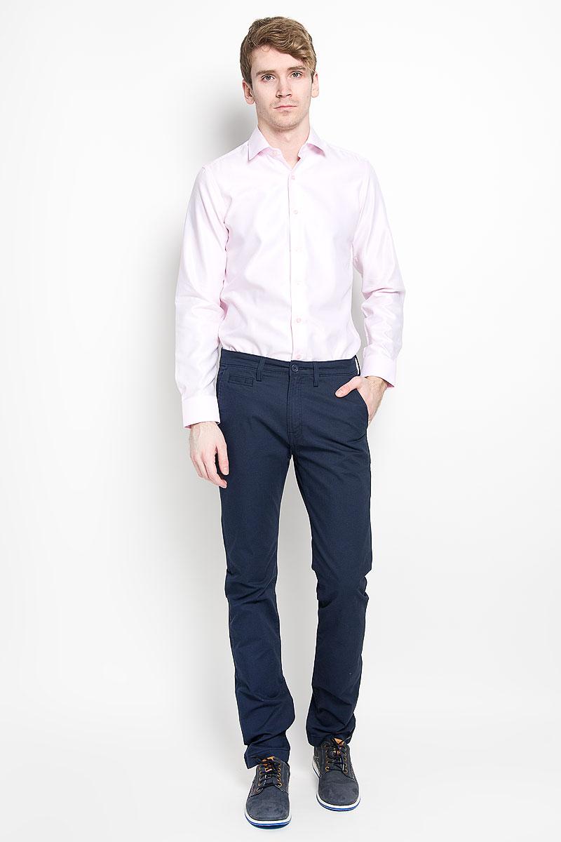 Рубашка мужская KarFlorens, цвет: светло-розовый. SW 87-03. Размер 39/40 (48-182)SW 87-03Мужская рубашка KarFlorens изготовлена из высококачественного хлопка с добавлением микрофибры. Необычайно мягкая и приятная на ощупь модель не сковывает движения и позволяет коже дышать, обеспечивая комфорт. Рубашка с длинными рукавами и отложным воротником застегивается напуговицы, оформленные тиснением с названием бренда. Манжеты со срезаннымиуголками и регулировкой ширины также застегиваются на пуговицы.Такая рубашка станет идеальным дополнением вашего гардероба. Она порадует настоящих ценителей комфорта и практичности!
