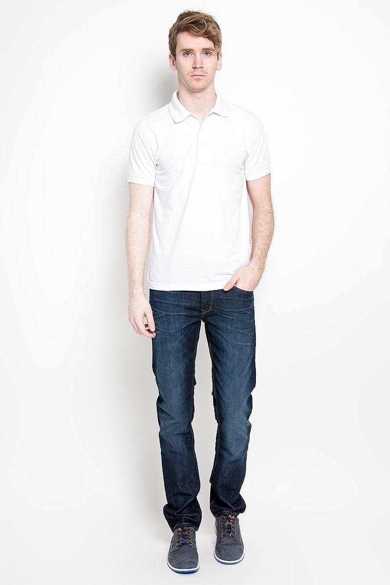 Поло мужское Karff, цвет: белый. 97013-03. Размер XL (54)97013-03Мужская футболка-поло Karff, изготовленная из натурального хлопка, обладает высокой теплопроводностью, воздухопроницаемостью и гигроскопичностью, позволяет коже дышать.Модель с короткими рукавами и отложным воротником - идеальный вариант для создания оригинального современного образа. Сверху футболка-поло застегивается на 3 пуговицы. Низ рукавов и воротник модели выполнены резинкой. На груди изделие оформлено вышивкой в виде названия бренда.Такая модель подарит вам комфорт в течение всего дня и послужит замечательным дополнением к вашему гардеробу.