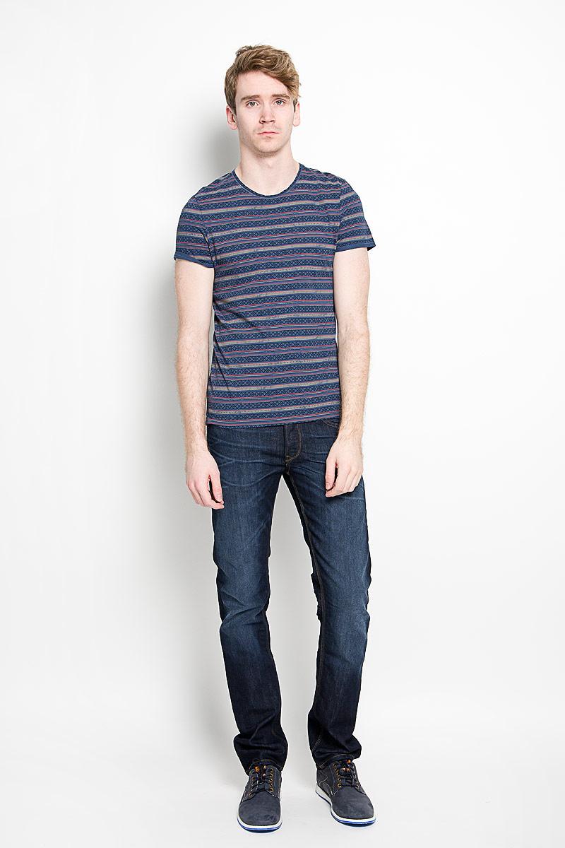 Футболка мужская Tom Tailor, цвет: сине-серый. 1034714.00.10_6865. Размер L (50)1034714.00.10_6865Мужская футболка Tom Tailor, изготовленная из натурального хлопка, прекрасно подойдет для повседневной носки. Материал очень мягкий и приятный на ощупь, не сковывает движения и позволяет коже дышать. Модель с короткими рукавами и круглым вырезом горловины оформлена оригинальным принтом в полоску с орнаментом. Такая модель будет дарить вам комфорт в течение всего дня и станет стильным дополнением к вашему гардеробу.