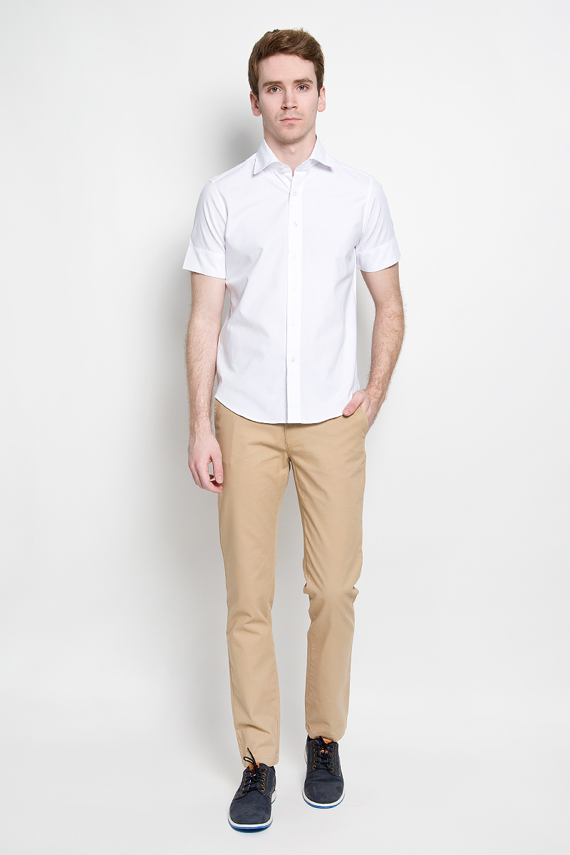 Брюки мужские U.S. Polo Assn., цвет: темно-бежевый. G081SZ078PARISKR016Y-ING_VR011. Размер 30 (46)G081SZ078PARISKR016Y-ING_VR011Стильные мужские брюки U.S. Polo Assn. великолепно подойдут для повседневной носки и помогут вам создать незабываемый современный образ. Классическая модель прямого кроя и стандартной посадки изготовлена из натурального хлопка, благодаря чему великолепно пропускает воздух, обладает высокой гигроскопичностью и превосходно сидит. Брюки застегиваются на ширинку на застежке-молнии, а также пуговицу на поясе. На поясе расположены шлевки для ремня. Брюки оснащены двумя втачными карманами, и двумя втачными карманами на пуговицах сзади.Эти модные и в тоже время удобные брюки станут великолепным дополнением к вашему гардеробу. В них вы всегда будете чувствовать себя уверенно и комфортно.