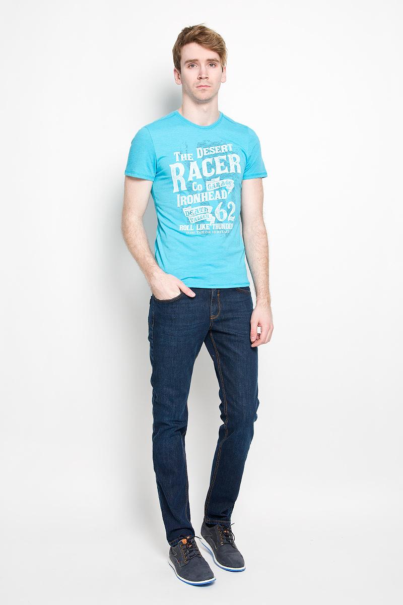 Футболка мужская Tom Tailor, цвет: голубой. 1034645.00.10_6945. Размер XXL (54)1034645.00.10_6945Стильная мужская футболка Tom Tailor, выполненная из высококачественного хлопка с добавлением полиэстера, обладает высокой воздухопроницаемостью и гигроскопичностью, позволяет коже дышать. Такая футболка великолепно подойдет как для повседневной носки, так и для спортивных занятий. Комфортные плоские швы исключают риск натирания.Модель с короткими рукавами и круглым вырезом горловины - идеальный вариант для создания модного современного образа. Футболка оформлена принтом с изображением надписей на английском языке. На внутренней стороне расположен принт с изображением американского флага.Такая модель подарит вам комфорт в течение всего дня и послужит замечательным дополнением к вашему гардеробу.