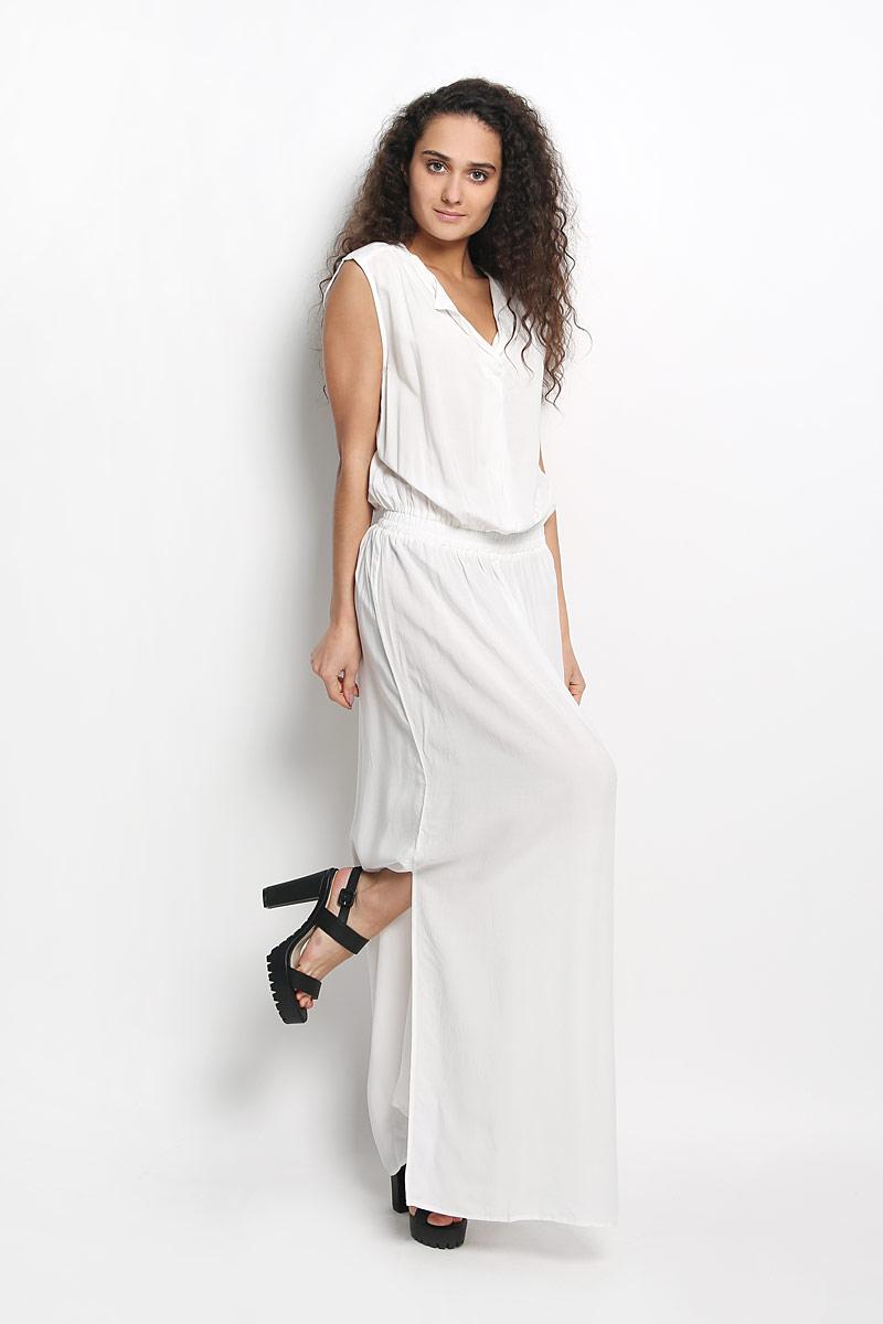 Платье Broadway Gavena, цвет: белый. 10156350 001. Размер XS (42)10156350 001Оригинальное платье Broadway Gavena станет ярким и стильным дополнением к вашему гардеробу. Изделие выполнено из 100% вискозы, приятное к телу, не сковывает движения и хорошо вентилируется.Модель с круглым вырезом горловины и без рукавов. Платье спереди дополнено небольшим разрезом по линии горловины. На талии модель собрана на широкую резинку. По бокам - разрезы. Это эффектное платье поможет создать привлекательный женственный образ.
