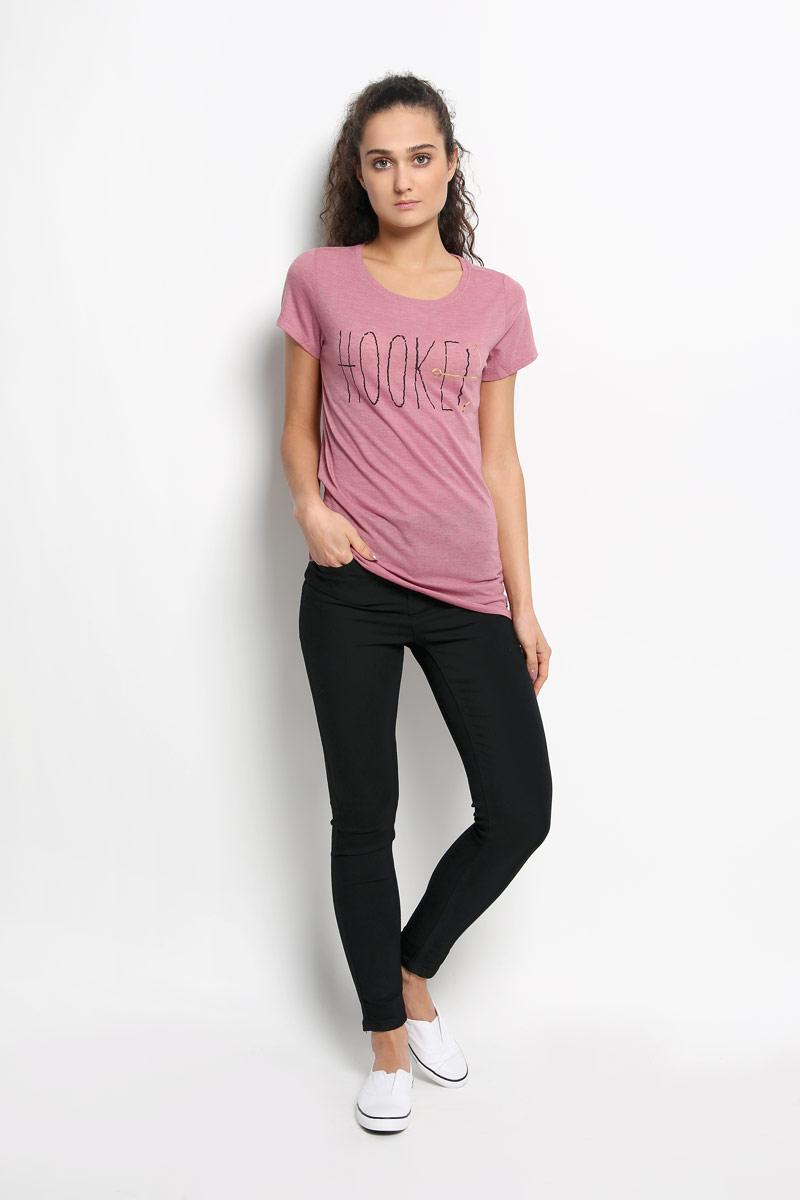 Футболка женская ONeill, цвет: пепельно-розовый. 607338-4530. Размер L (48)607338-4530Стильная женская футболка ONeill, выполненная из комбинированного материала, обладает высокой теплопроводностью, воздухопроницаемостью и гигроскопичностью, позволяет коже дышать, а также великолепно отводит влагу от тела. Модель с короткими рукавами и круглым вырезом горловины - идеальный вариант для создания стильного современного образа. Футболка украшена принтом с надписью Hooked и дополнена небольшим металлическим лейблом.Такая модель подарит вам комфорт в течение всего дня и послужит замечательным дополнением к вашему гардеробу.