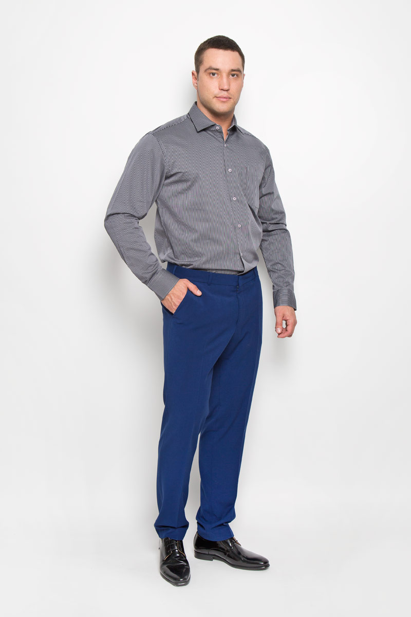 Рубашка мужская KarFlorens, цвет: темно-серый, серый. SW 71-01. Размер 45/46 (56-176)SW 71-01Стильная мужская рубашка KarFlorens, выполненная из хлопка с добавлением микрофибры, подчеркнет ваш уникальный стиль и поможет создать оригинальный образ. Такой материал великолепно пропускает воздух, обеспечивая необходимую вентиляцию, а также обладает высокой гигроскопичностью.Рубашка с длинными рукавами и отложным воротником застегивается на пуговицы спереди. Рукава рубашки дополнены манжетами, которые также застегиваются на пуговицы. Модель оформлена узором в узкую полоску и дополнена накладным нагрудным карманом. Классическая рубашка - превосходный вариант для базового мужского гардероба и отличное решение на каждый день.Такая рубашка будет дарить вам комфорт в течение всего дня и послужит замечательным дополнением к вашему гардеробу.