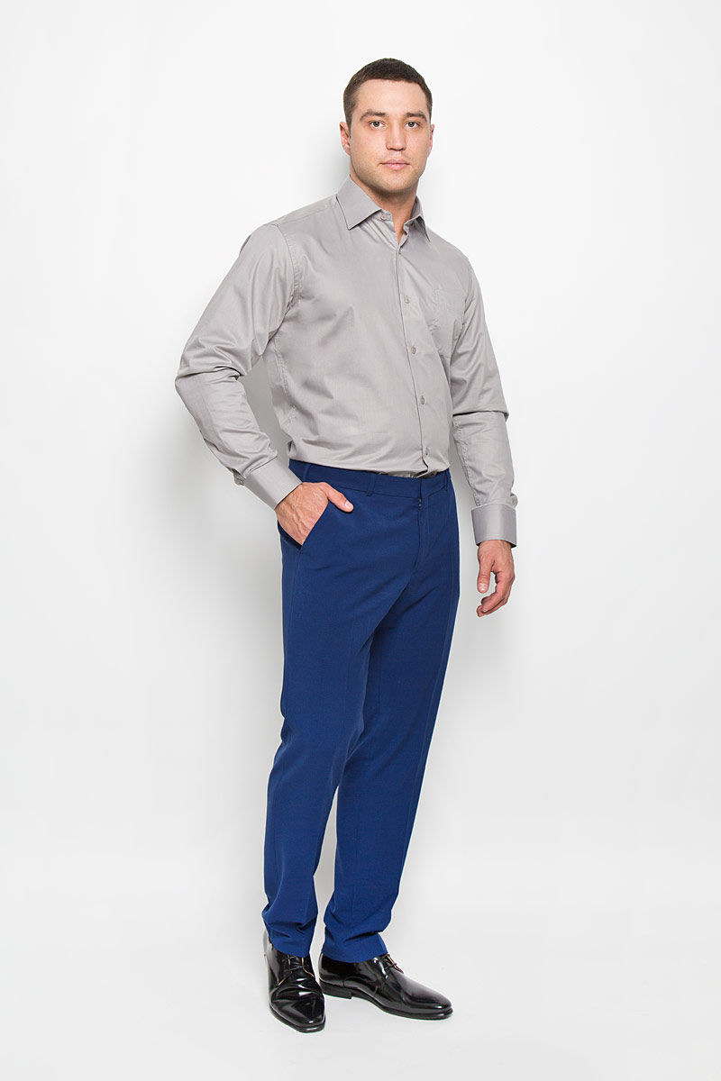 Рубашка мужская KarFlorens, цвет: серый. SW 82-04. Размер 43/44 (54-176)SW 82-04Стильная мужская рубашка KarFlorens, выполненная из хлопка с добавлением микрофибры, подчеркнет ваш уникальный стиль и поможет создать оригинальный образ. Такой материал великолепно пропускает воздух, обеспечивая необходимую вентиляцию, а также обладает высокой гигроскопичностью.Рубашка с длинными рукавами и отложным воротником застегивается на пуговицы спереди. Рукава рубашки дополнены манжетами, которые также застегиваются на пуговицы. Однотонная модель дополнена накладным нагрудным карманом. Классическая рубашка - превосходный вариант для базового мужского гардероба и отличное решение на каждый день.Такая рубашка будет дарить вам комфорт в течение всего дня и послужит замечательным дополнением к вашему гардеробу.