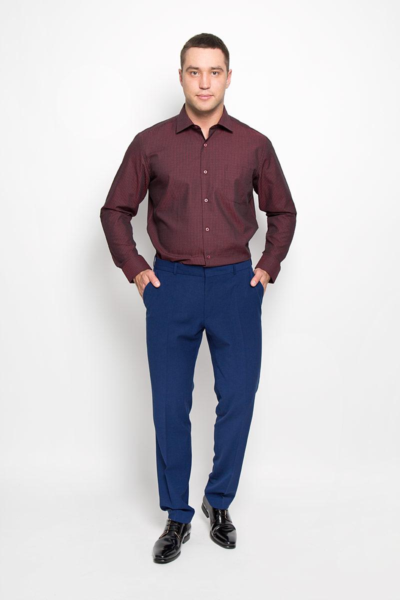Рубашка мужская KarFlorens, цвет: темно-бордовый, черный. SW 72-04. Размер 43/44 (54-182)SW 72-04Стильная мужская рубашка KarFlorens, выполненная из хлопка с добавлением микрофибры, подчеркнет ваш уникальный стиль и поможет создать оригинальный образ. Такой материал великолепно пропускает воздух, обеспечивая необходимую вентиляцию, а также обладает высокой гигроскопичностью.Рубашка с длинными рукавами и отложным воротником застегивается на пуговицы спереди. Рукава рубашки дополнены манжетами, которые также застегиваются на пуговицы. Модель оформлена узором в узкую полоску и дополнена накладным нагрудным карманом. Классическая рубашка - превосходный вариант для базового мужского гардероба.Такая рубашка будет дарить вам комфорт в течение всего дня и послужит замечательным дополнением к вашему гардеробу.