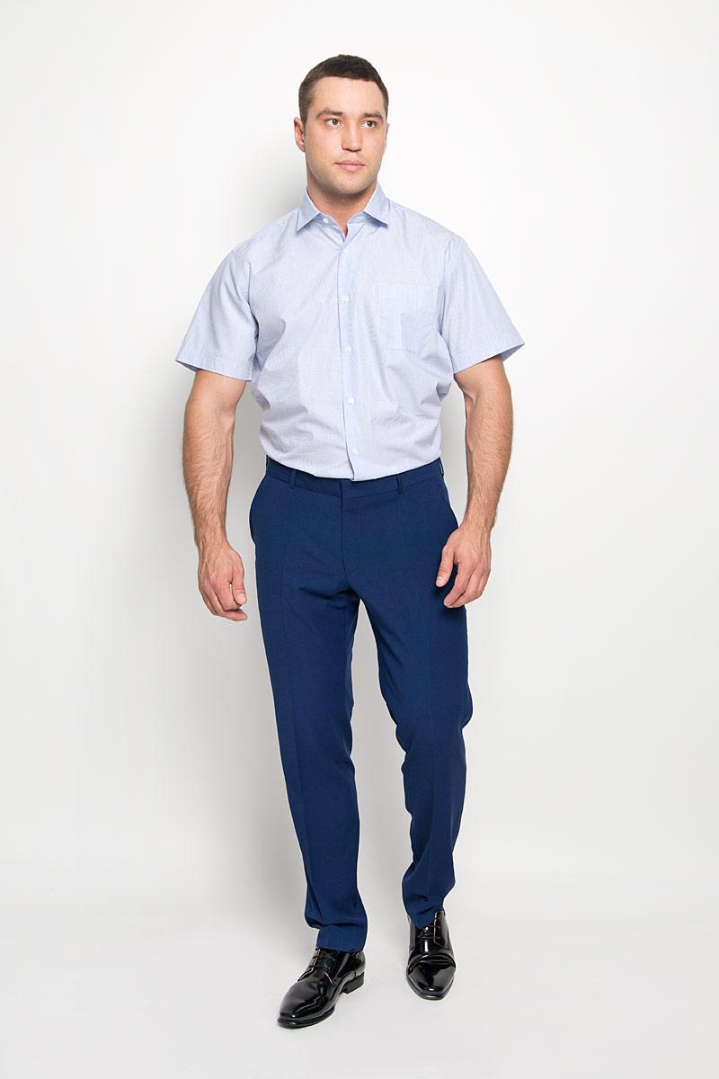 Рубашка мужская KarFlorens, цвет: голубой, белый. SW 75-01. Размер 41/42 (50/52-182)SW 75-01Стильная мужская рубашка KarFlorens, выполненная из натурального хлопка, подчеркнет ваш уникальный стиль и поможет создать оригинальный образ. Такой материал великолепно пропускает воздух, обеспечивая необходимую вентиляцию, а также обладает высокой гигроскопичностью. Рубашка с короткими рукавами и отложным воротником застегивается на пуговицы спереди. Модель оформлена актуальным узором в узкую полоску и дополнена накладным нагрудным карманом. Классическая рубашка - превосходный вариант для базового мужского гардероба и отличное решение на каждый день. Такая рубашка будет дарить вам комфорт в течение всего дня и послужит замечательным дополнением к вашему гардеробу.