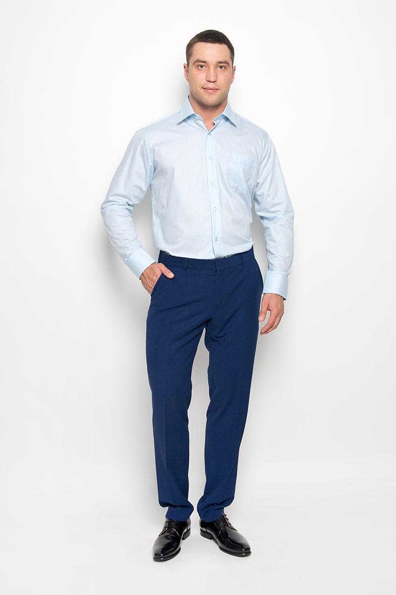 Рубашка мужская KarFlorens, цвет: голубой. SW 82-05. Размер 45/46 (56-176)SW 82-05Стильная мужская рубашка KarFlorens, выполненная из хлопка с добавлением микрофибры, подчеркнет ваш уникальный стиль и поможет создать оригинальный образ. Такой материал великолепно пропускает воздух, обеспечивая необходимую вентиляцию, а также обладает высокой гигроскопичностью.Рубашка с длинными рукавами и отложным воротником застегивается на пуговицы спереди. Рукава рубашки дополнены манжетами, которые также застегиваются на пуговицы. Однотонная модель дополнена накладным нагрудным карманом. Классическая рубашка - превосходный вариант для базового мужского гардероба и отличное решение на каждый день.Такая рубашка будет дарить вам комфорт в течение всего дня и послужит замечательным дополнением к вашему гардеробу.