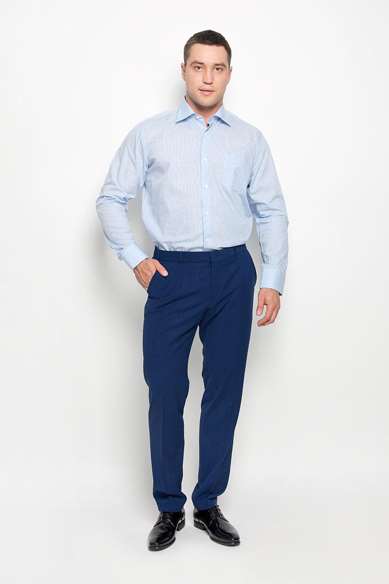 Рубашка мужская KarFlorens, цвет: голубой, белый. SW 88-03. Размер 45/46 (56-176)SW 88-03Стильная мужская рубашка KarFlorens, выполненная из натурального хлопка, подчеркнет ваш уникальный стиль и поможет создать оригинальный образ. Такой материал великолепно пропускает воздух, обеспечивая необходимую вентиляцию, а также обладает высокой гигроскопичностью. Рубашка с длинными рукавами и отложным воротником застегивается на пуговицы спереди. Рукава рубашки дополнены манжетами, которые также застегиваются на пуговицы. Модель оформлена актуальным узором в узкую полоску и дополнена накладным нагрудным карманом. Классическая рубашка - превосходный вариант для базового мужского гардероба и отличное решение на каждый день.Такая рубашка будет дарить вам комфорт в течение всего дня и послужит замечательным дополнением к вашему гардеробу.