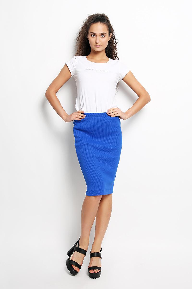 Юбка Rocawear, цвет: синий. R041517. Размер S (44)R041517Эффектная юбка Rocawear выполнена из хлопка с добавлением лайкры, она обеспечит вам комфорт и удобство при носке.Юбка-карандаш средней длины застегивается на длинную серебристую застежку-молнию сзади, на талии дополнена широкой эластичной резинкой.Модная юбка-карандаш выгодно освежит и разнообразит ваш гардероб. Создайте женственный образ и подчеркните свою яркую индивидуальность! Классический фасон и оригинальное оформление этой юбки сделают ваш образ непревзойденным.