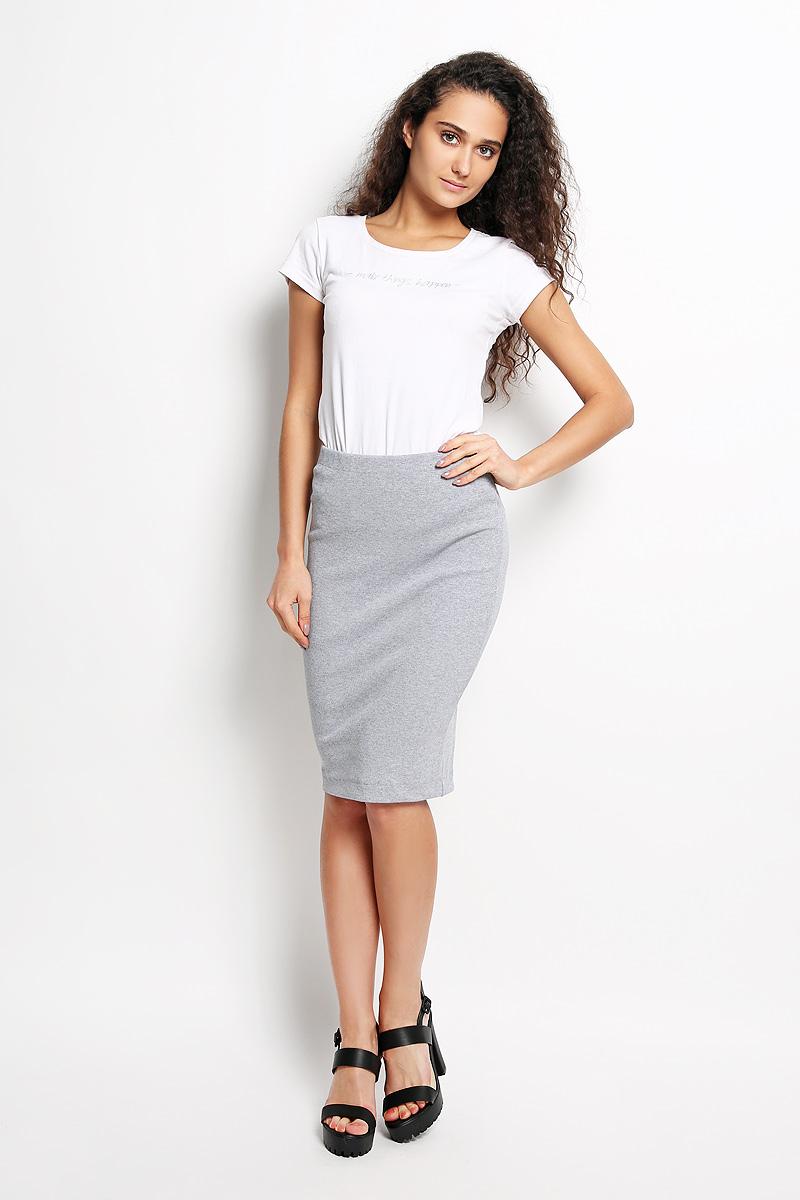 Юбка Rocawear, цвет: серый. R041517. Размер XS (42)R041517Эффектная юбка Rocawear выполнена из хлопка с добавлением лайкры, она обеспечит вам комфорт и удобство при носке.Юбка-карандаш средней длины застегивается на длинную серебристую застежку-молнию сзади, на талии дополнена широкой эластичной резинкой.Модная юбка-карандаш выгодно освежит и разнообразит ваш гардероб. Создайте женственный образ и подчеркните свою яркую индивидуальность! Классический фасон и оригинальное оформление этой юбки сделают ваш образ непревзойденным.